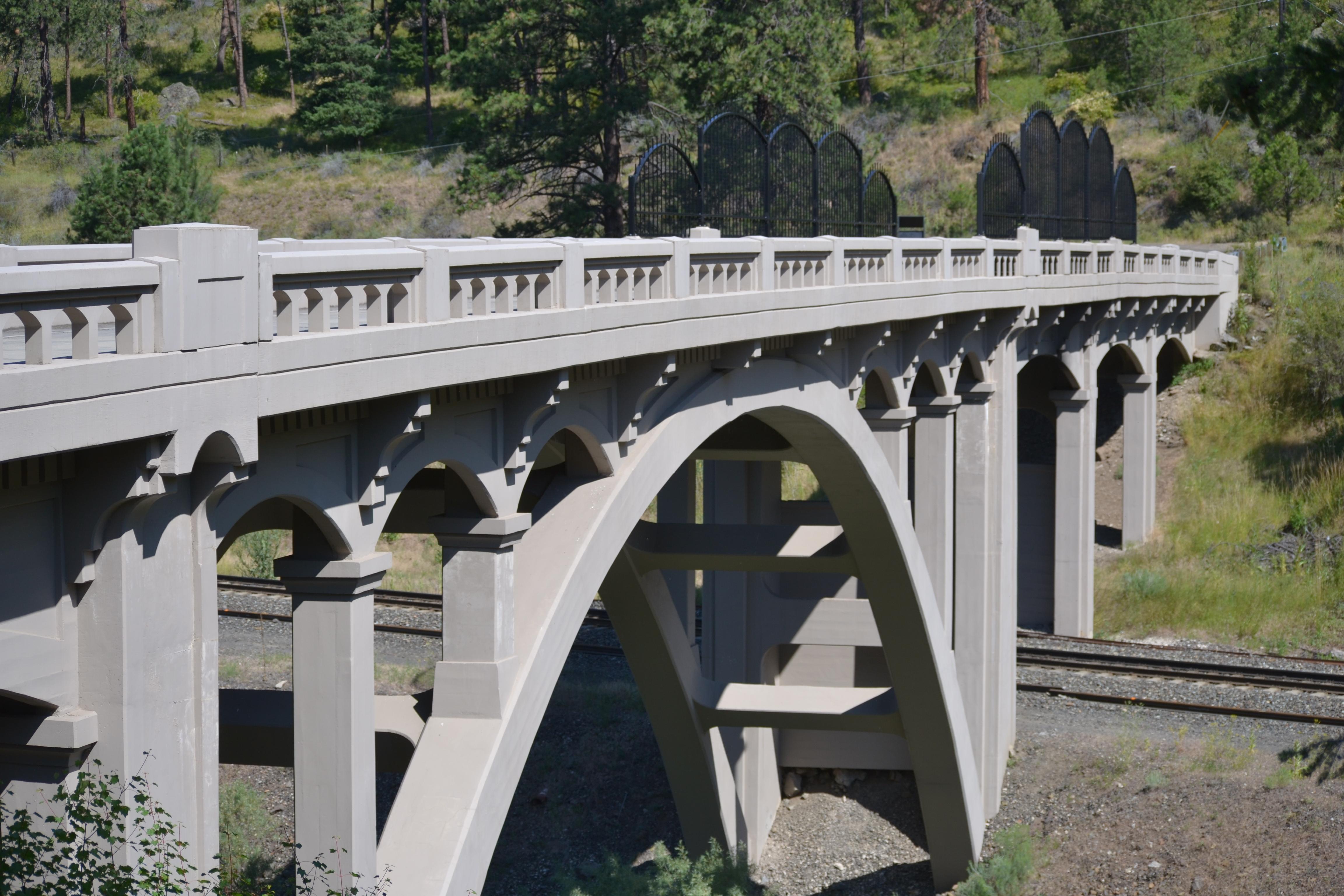 DSC_0035Arch Bridge off I-84 near La Grande OR